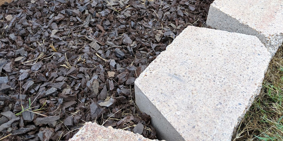 Rubber mulch can provide bold, long lasting color to any planting bed